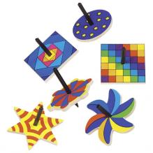 Mini toupies en bois - modèle et couleurs - à partir de 4 ans