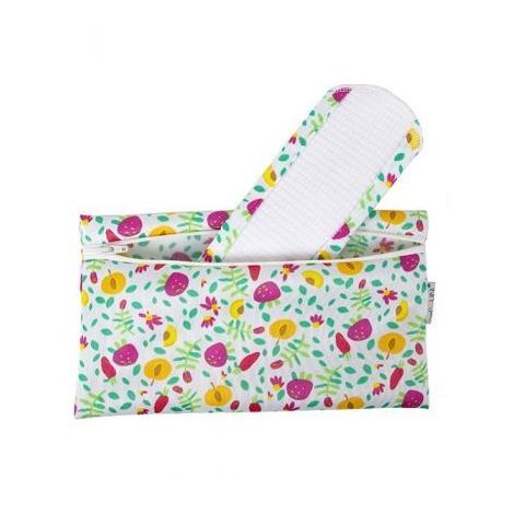 Kit hygiène. Lot de 2erviettes hygiéniques lavables + pochette imperméable Fruits